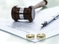 الطلاق هو الحل المناسب لإنهاء المشاكل الزوجية