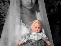 الأضرار الناجمة عن الزواج المبكر داخل المجتمع