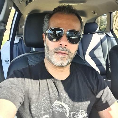 صورة عماد, رجل